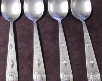 Wallace Stainless Taos Four Oval Soup Spoons