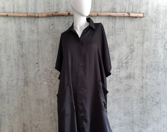 black shirt blous dress, summer dress made of recycled polyester in black, caftan dress with button strip and pockets, asymmetric length