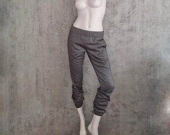 Sweatpants in silver, narrow pump pants, black-silver, casual joggers for women, with elastic waistband and side pockets, mid-waist