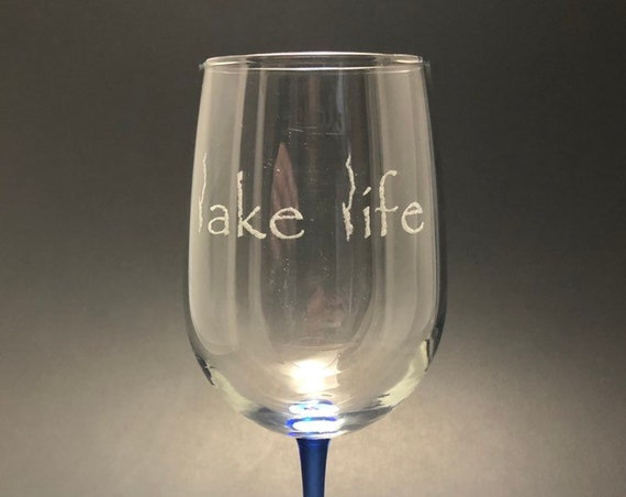 Lake George Lake Life - Etched 18.5 oz Blue Stemmed Wine Glass