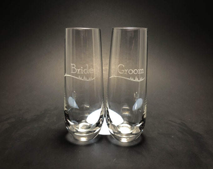 Bride and Groom with Treeline- 10 oz Stemless Champagne Flute