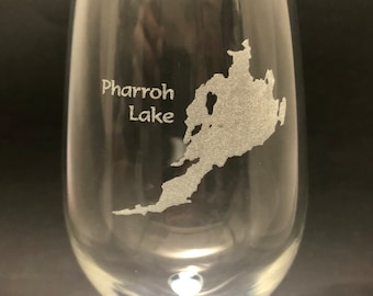 Pharroh Lake  - Etched 18.5 oz Stemmed Wine Glass