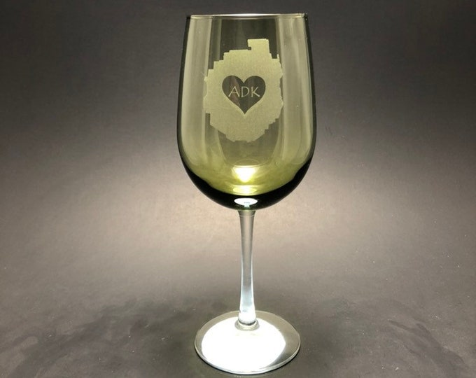 Adirondack Park with heart - Etched 18.5 oz Green Stemmed Wine Glass