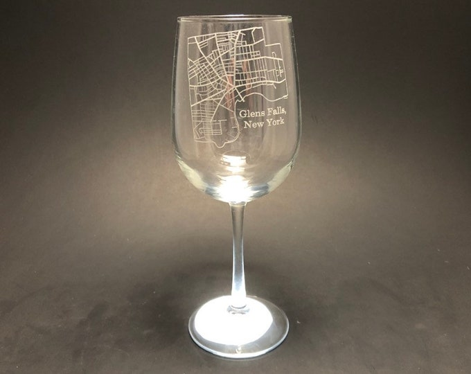 Glens Falls New York Street Map - Etched 18.5 oz Stemmed Wine Glass