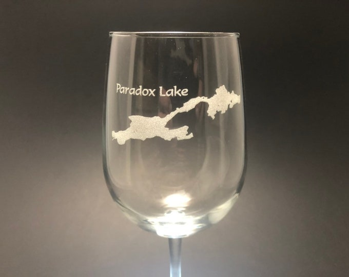 Paradox Lake - Etched 18.5 oz Stemmed Wine Glass - Paradox Lake, New York
