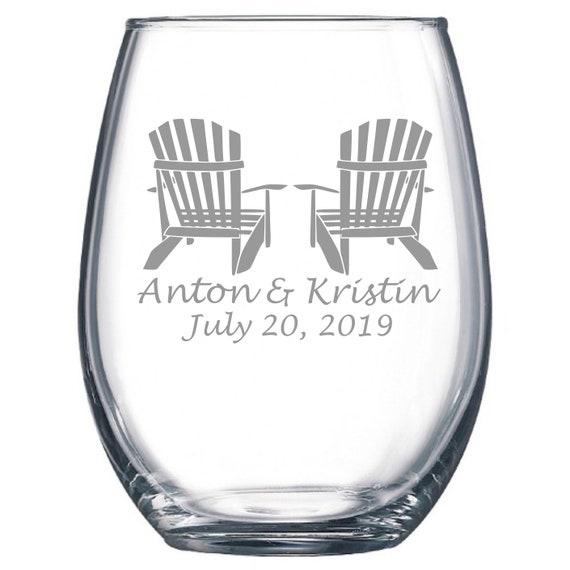 Custom Wedding Set - Adirondack Chairs - Etched 15 oz Stemless Wine Glass