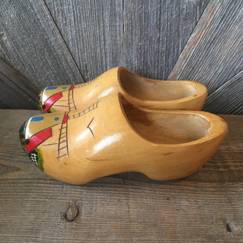 Vintage Wooden Shoes Tulip Time Holland Souvenir Small Decorative Wall Hanging Kids Size 9 Pair Shoes