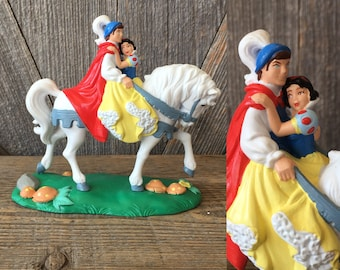 Vintage Snow White figurine 90s Applause Disney Princess Snow White and Prince Charming White Horse Heavy Plastic Figure Decor Collectibles
