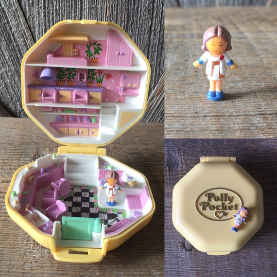 Vintage Bluebird Mattel Polly Pocket Replacement Doll Polly/'s Hair Salon Hairdressing Classic Octagon Yellow Compact Original Tiny World