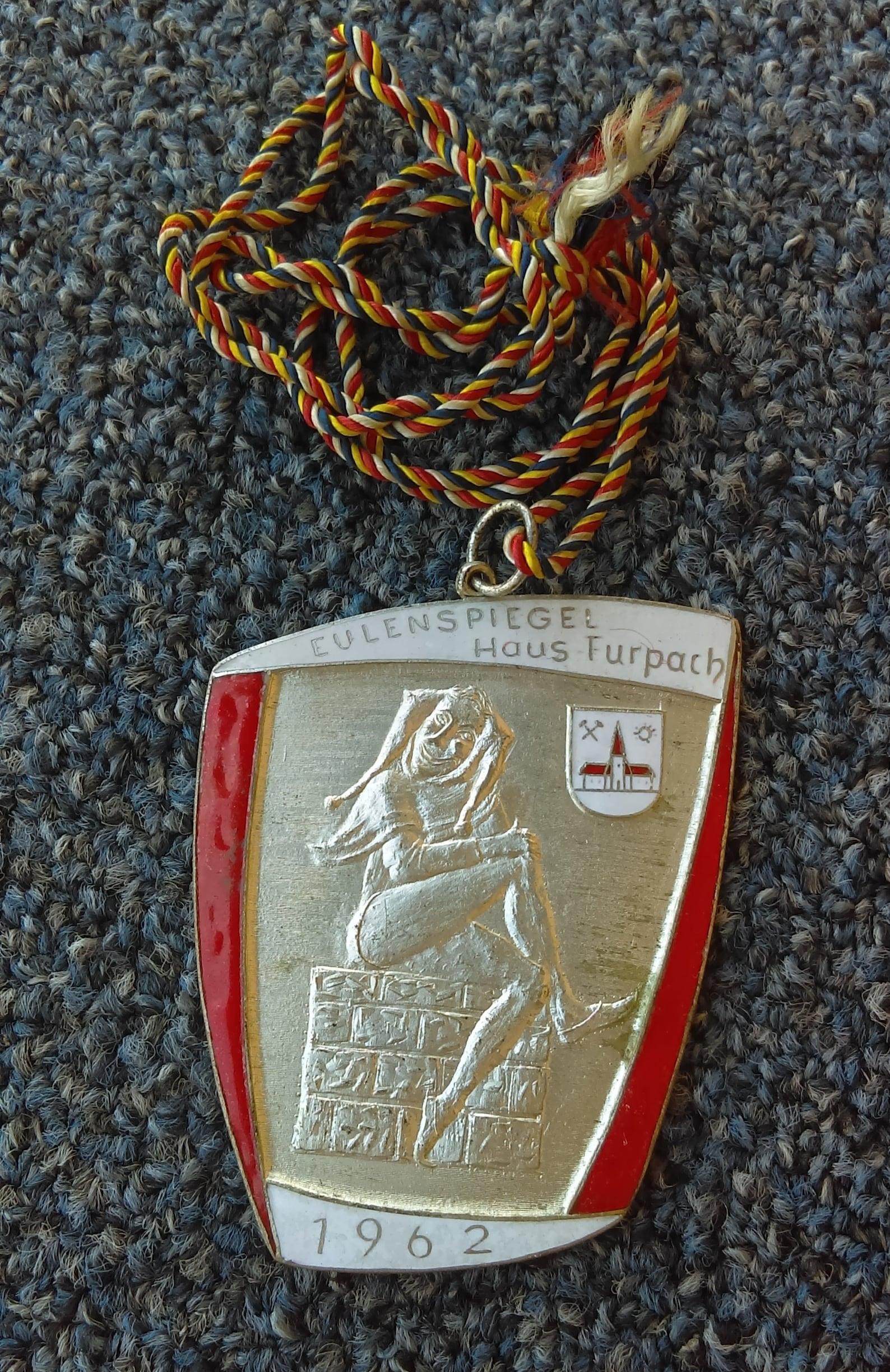 Carnival, Karnevalsverein Eulenspiegel Haus Furpach 1962. vintage badge, medal