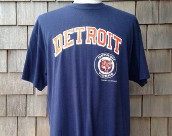 80s vintage Detroit Tigers T shirt by Trench - XL