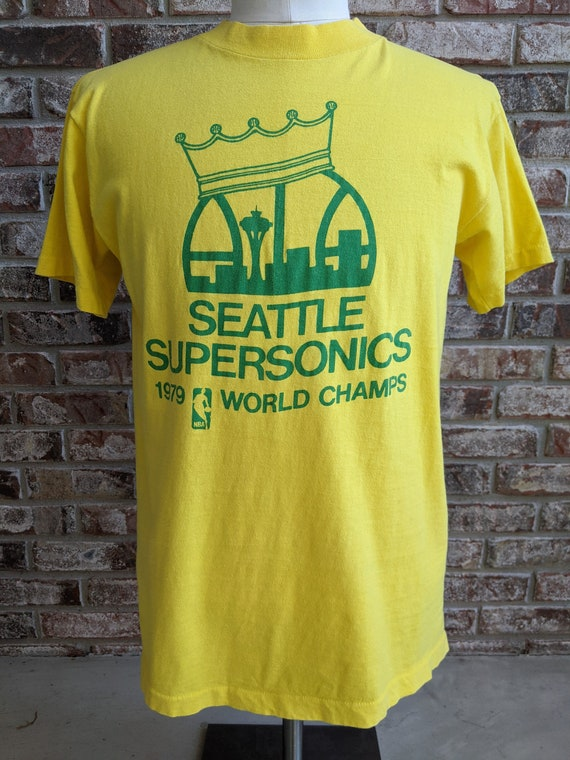 women/'s extra small SONICS t-shirt vintage 1979 SEATTLE SUPERSONICS world champions The Wizard Gus Williams basketball youth size large