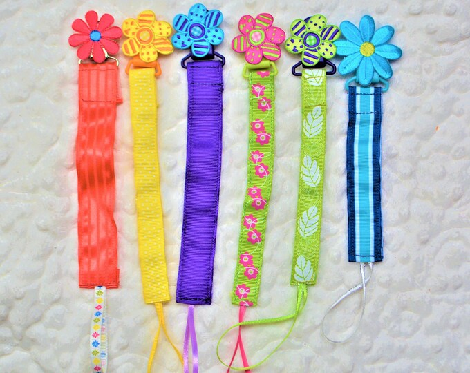 Flowers Binky Clip, Paci Clip -- Free Shipping!