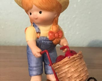 Enesco Country Cousins Figurine - Katie With Cart Of Apples