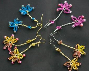 Daisy earrings in beaded tatting. Rustic flower earrings
