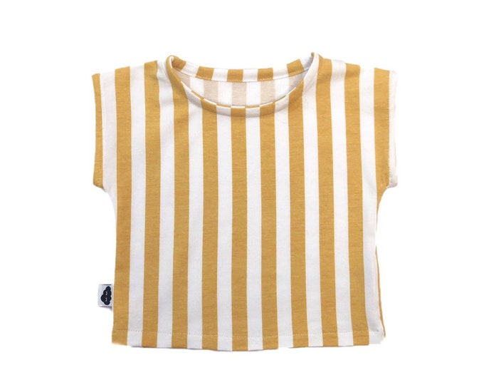 Vertical mustard T-shirt