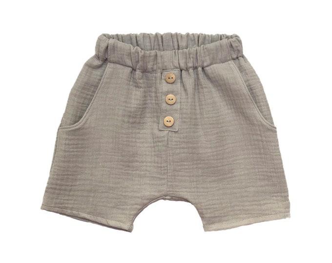 Chino shorts in cotton gauze