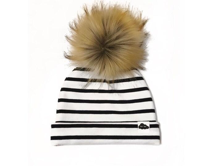 Sea striped pom-pom cap