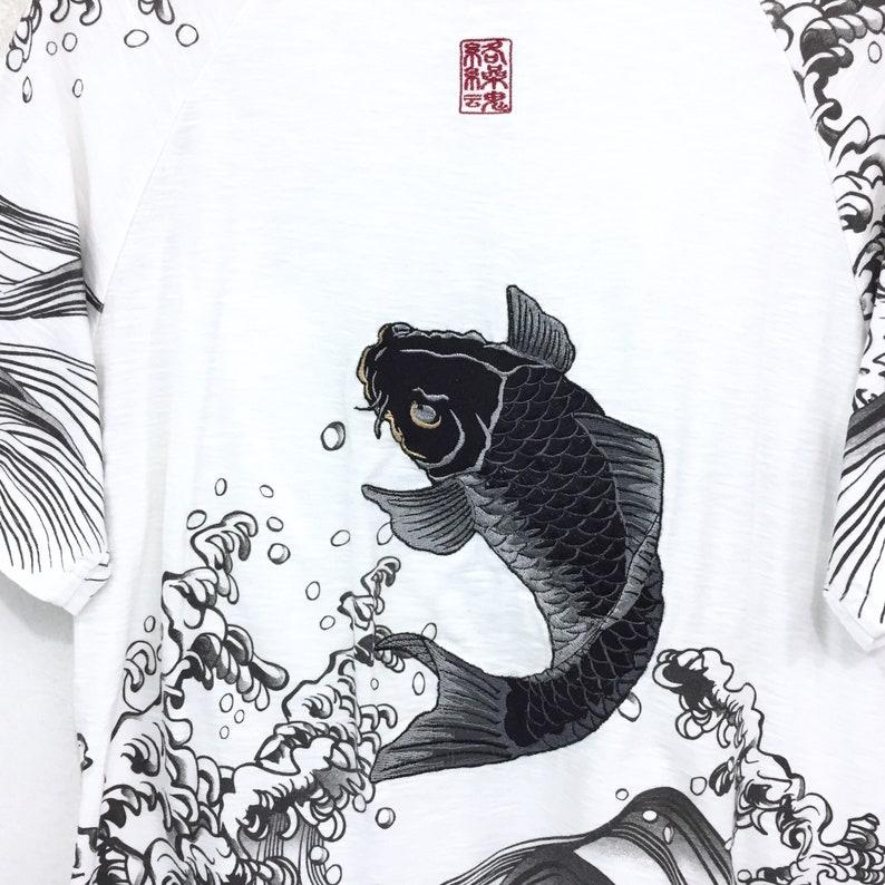Rare! Karakuri Tamashii T-shirt Embroidery Black Fish Koi Nice Design Pocket Sukajan Crewneck Art Japanese Souvenir