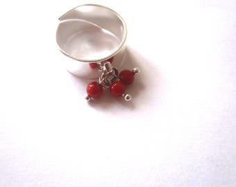 Ring large coral beads
