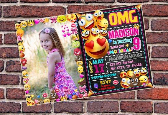Tarjeta De La Invitación Invitación De Emoji Invitación De Cumpleaños De Emoji Emoji Emoji Imprimible Emoji Emoji Ornamento Invitan A Emoji