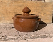Cleater Meaders 1985 Double Signed Lidded Double Handled Bean Pot