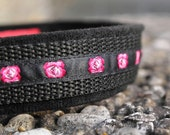 Customized dog collar staplessly adjustable in length padded with microfibre