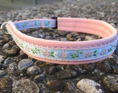 Martingale loose-fit dog collar padded with leather