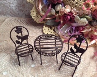Doll House Garden Table And Chair's
