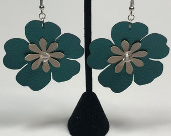 Leather flower earrings, Faux leather earrings, lightweight earrings, flower earrings, drop earrings, dangle earrings, green earrings