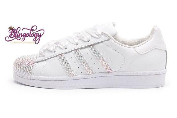 Custom Bling mujeres Adidas Originals Superstar Blanco Swarovski Cristal AB Bling Wedding Sneakers w Satin Shoe Cordones