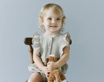 Musselin Baby Strampler, Baby Outfit, Baby Playsuit, Babyanzug, Musselin Strampler, Baby-Dusche, Baby-Kleidung, newborn Kleidung, Bio-Tuch