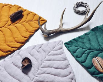 Leaf play mat from natural linen, various colors available