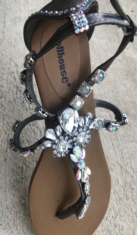 Holographic and Diamond Sandal