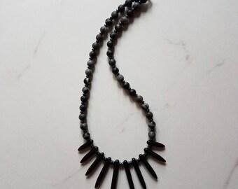 Statement necklace/Statement jewelry/semiprecious stones/Healing stones/Funky/Fan