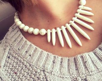 Statement jewelry/Statement necklace/Magnesite fan/Funky/Semi-precious stones