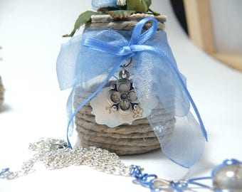 Necklace + ornament with flowers and photo holder