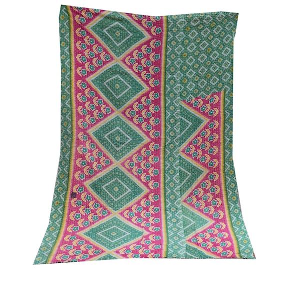 Vintage Kantha Quilt Gudri,Handmade Kantha Ethnic Stitch Decorative Gudri Floral Print King Size Indian Handmade Bohemian Bedspread kk-126