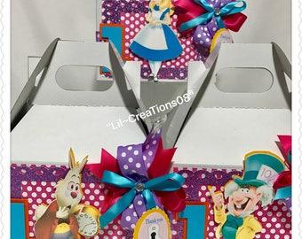 6 Alice in Wonderland Inspired Treats Boxes
