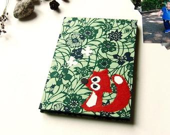 "Accordion Photo Album ""Fox"" Katazome shi Blue and Green Blossoms on Light Green"
