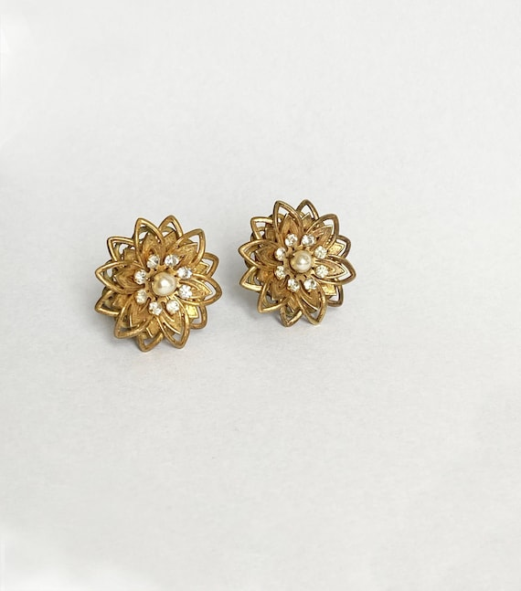 Vintage Miriam Haskell Earrings,  Flower Clip On E