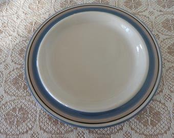 Arabia Finland UHTUA small plate/designed by Inkeri Leivo, mid century modern