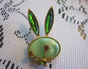 Whimical 1960's Bunny Brooch
