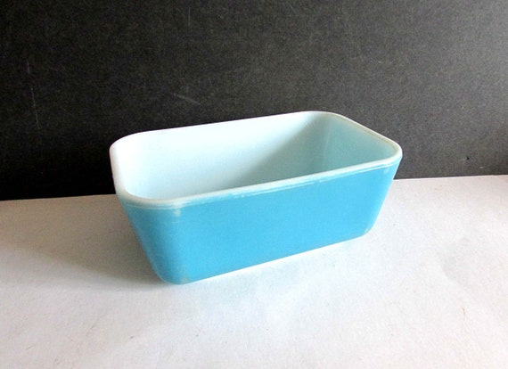 Pyrex Blue #502 Loaf Pan Covered Refrigerator Dish Primary Blue