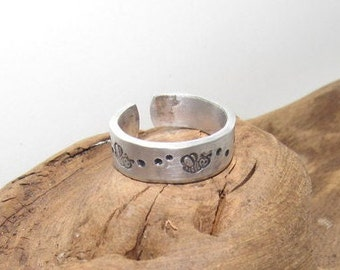 Bee's Inspirational Ring, Bee keeper gift, Nature Inspirational Ring ,Personalized Silver Hand Stamped Ring, Aluminum Hand Stamped Ring