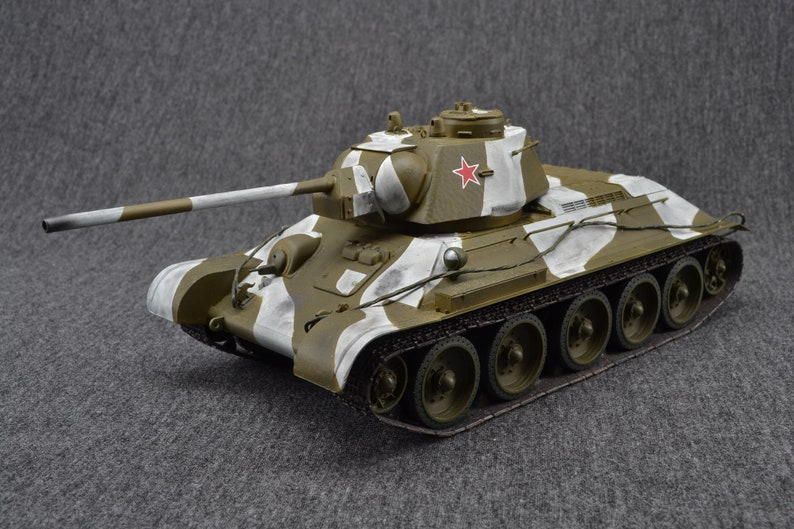 T-34/76 Medium Tank 1/35 RussianWorld of Tanks Wargaming image 0