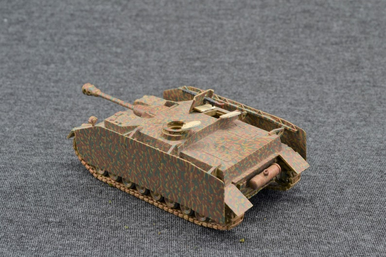 Sturmgeschutz IV Stug IV 1/72 German Armored Fighting image 0