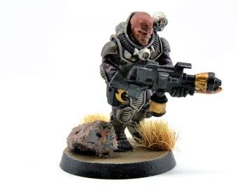 Gene Stealer Cult - 4th Generation Neophyte Hybrid with Flame-Thrower and Pistol - Warhammer 40K (105-05)