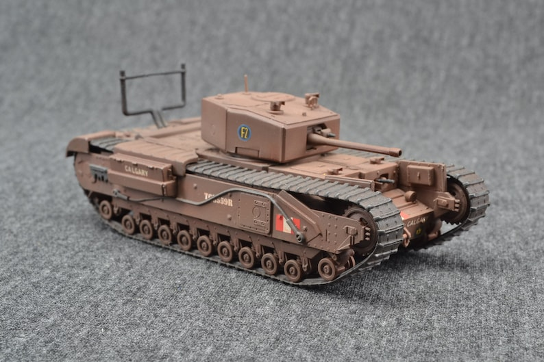 Churchill Mk III Tank 1/72 Infantry Support Tank Canadian image 0