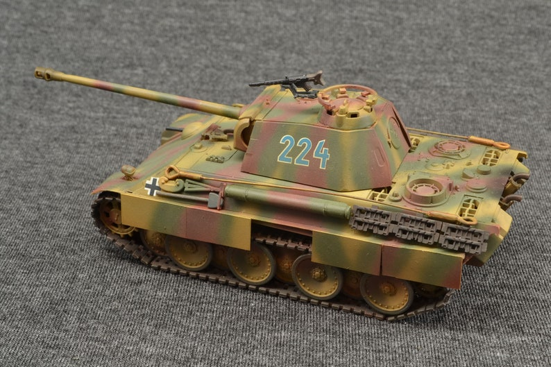 Panther Ausf G 1/72 German Armored Fighting Vehicle 2nd image 0